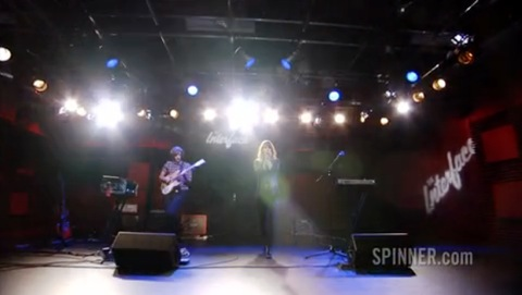 Watch 4 track live video session for AOL / Spinner - hear 2 new album tracks plus interview